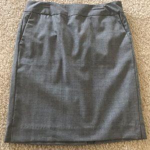 Dresses & Skirts - NWT Banana Republic Wool Grey Skirt 00P